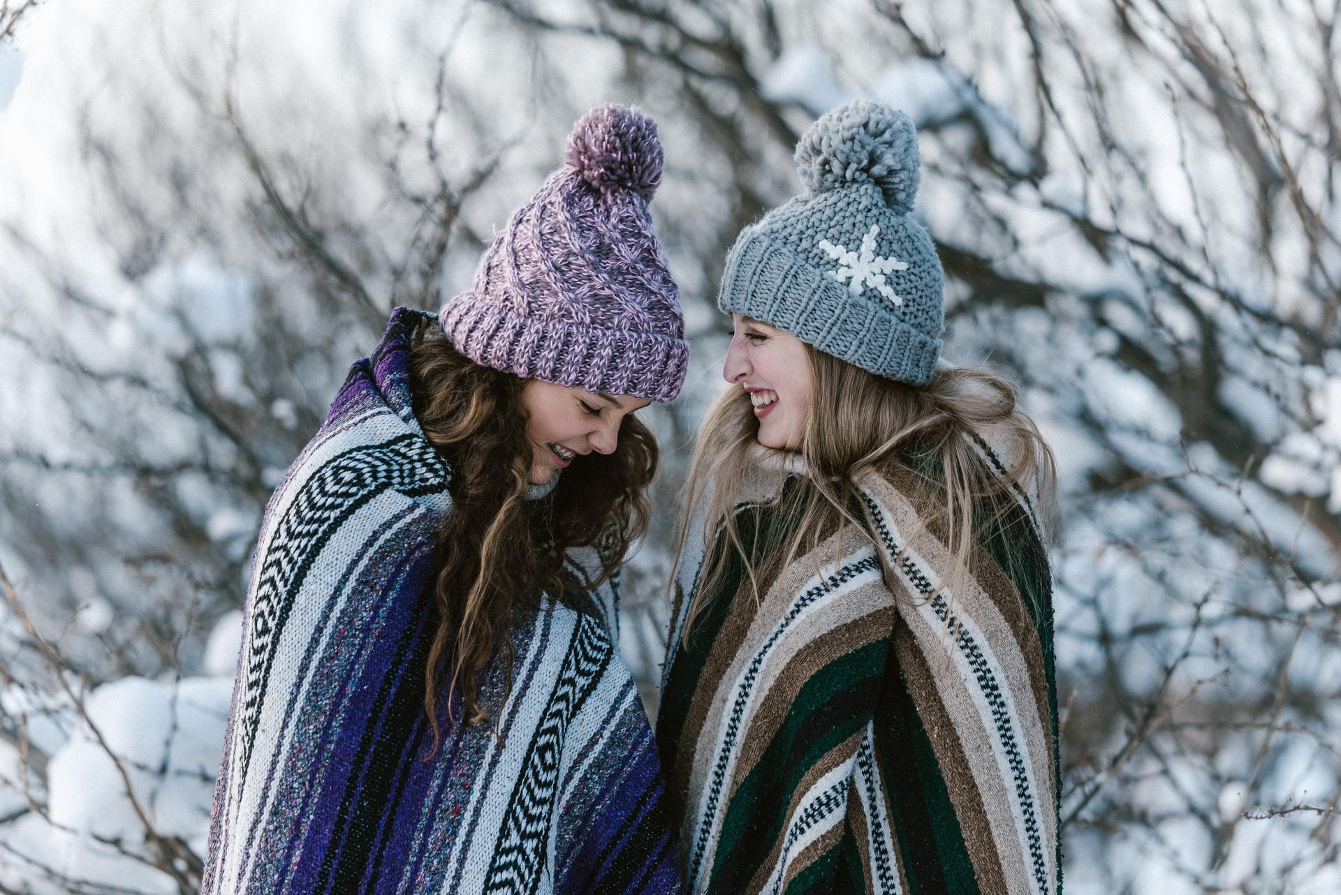 плетени зимни шапки